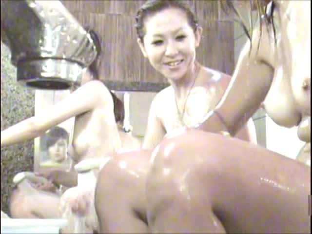 閲覧注意<風呂隠し撮り映像>童女友みんなで入浴中!Vol3-3