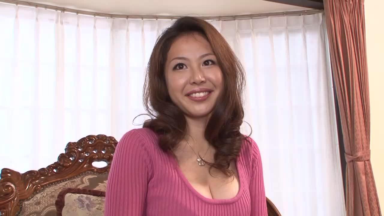 【宮村ゆうこ/初撮りドキュメント企画】巨乳の人妻がアダルトビデオに出演する素人企画